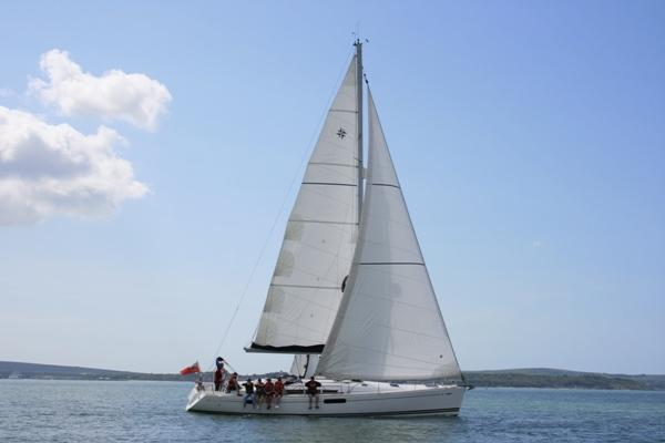 Hammersley Homes online auction - Solent sailing day