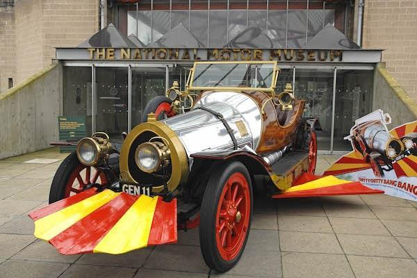 Film Chitty outside museum