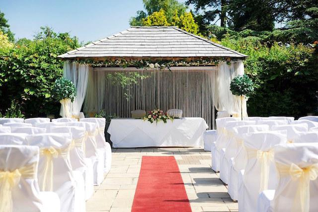 Cedar Garden Ceremony at Careys Manor in the New Forest