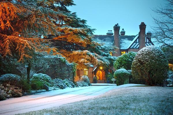 careys manor new forest in the snow