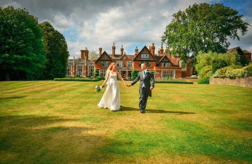 Plan a Whirlwind Wedding at Elmers Court Lymington