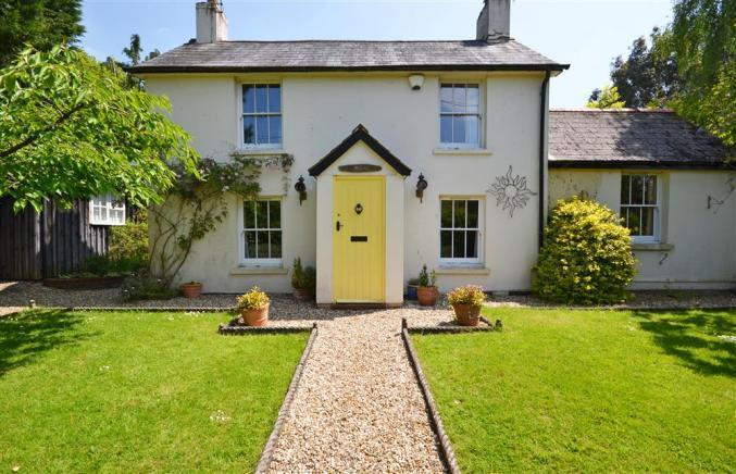 A character New Forest cottage for your holiday