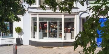 Outside the new Suitably Shod Shoes Lymington opening 1 October 2014.jpg - 36.74 KB