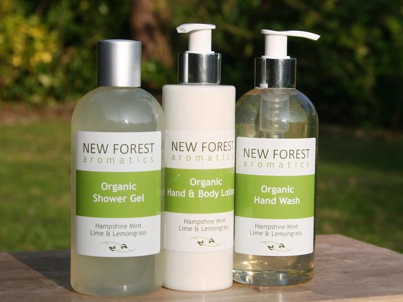 new forest aromatics hand body set