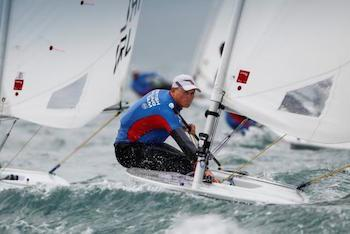 Lymington sailor Nick Thompson retains Laser World Championship