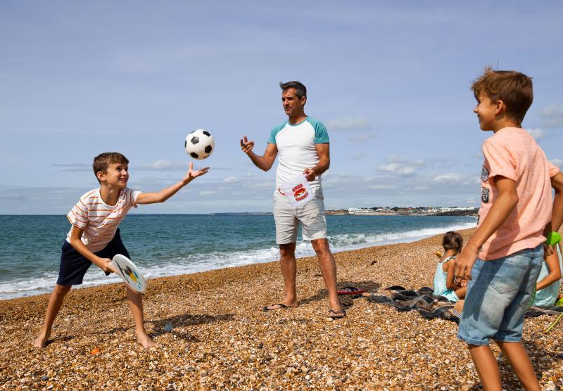 Discover the beach at Milford on Sea on your Shorefield Holiday
