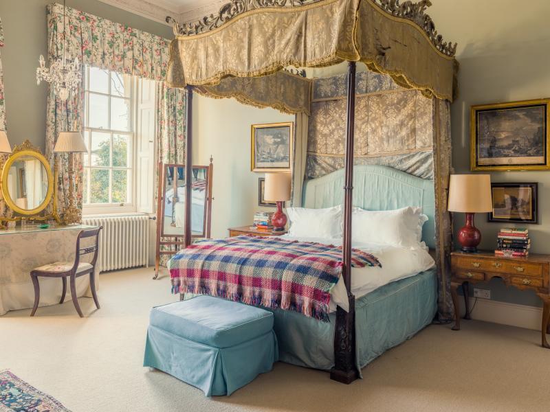 Bridal suite at Pylewell Park