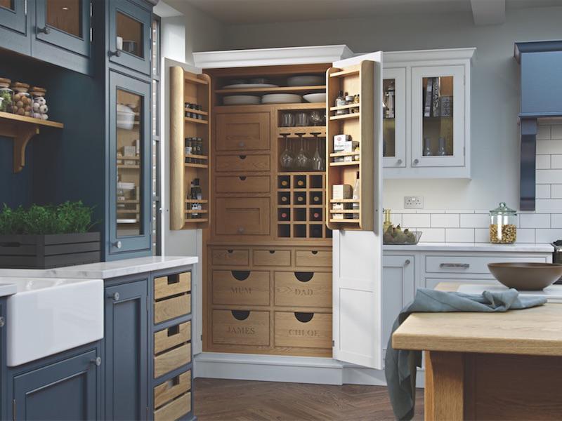 Crestwood of Lymington kitchen - Saltram in Brilliant White / Parisian Blue