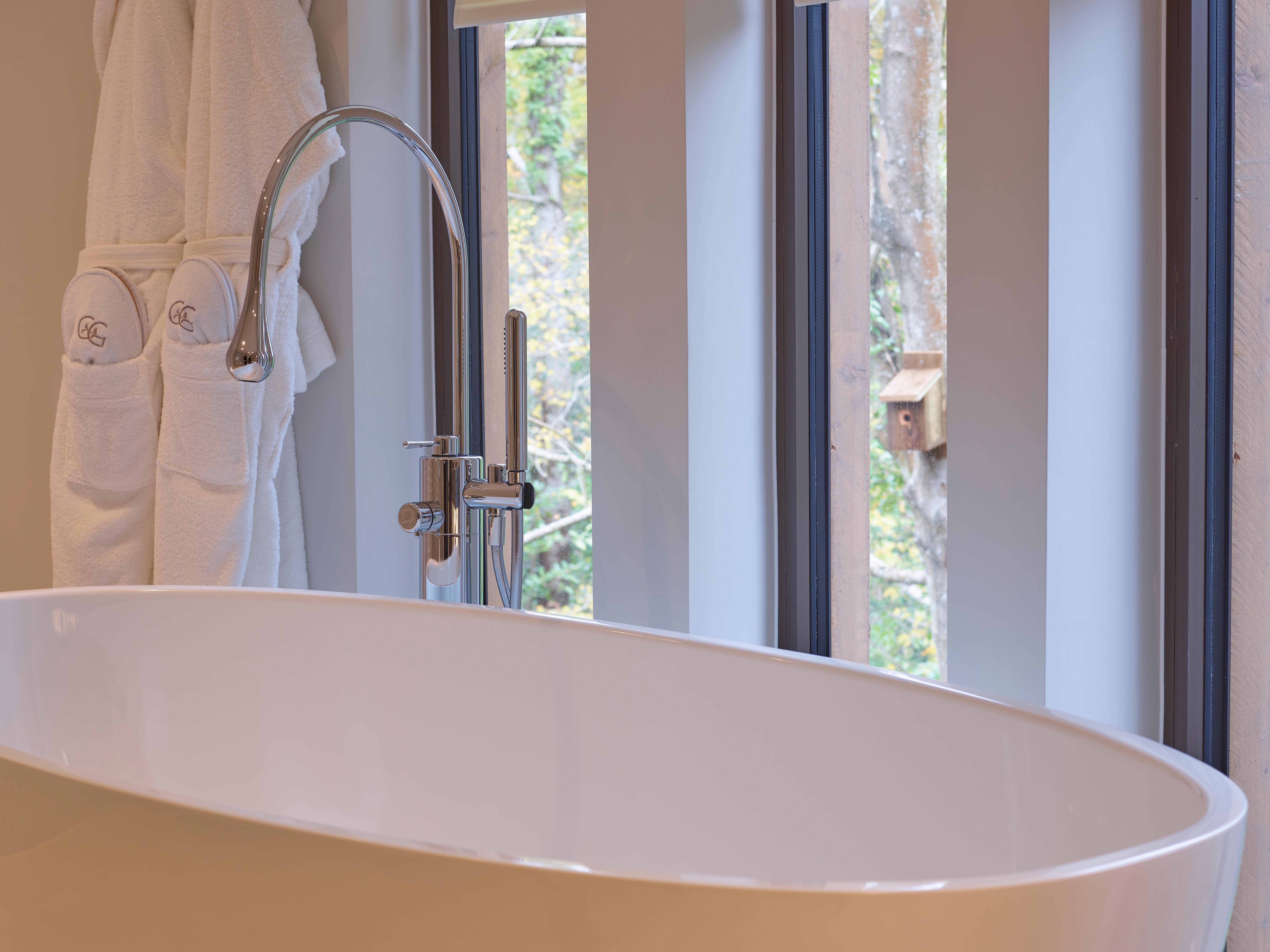 The Yews Treehouse bath Chewton Glen