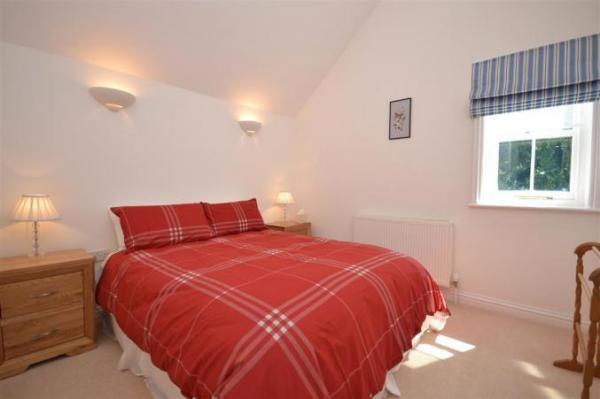 Alexandra holiday cottage bedroom