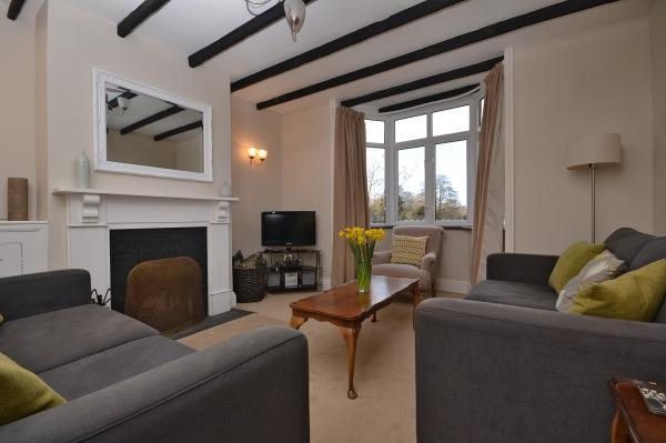 2 Knoll Cottages sitting room
