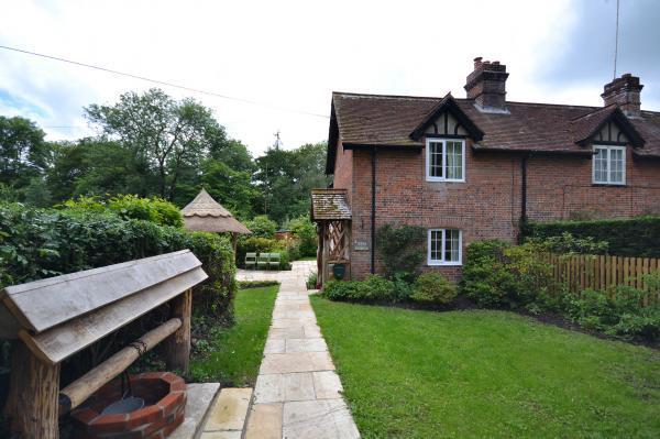 1 Rose Cottage