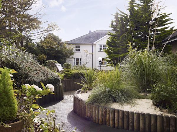 Beautiful gardens at Colten Care's Avon Reach